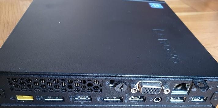 настолен компютър портове