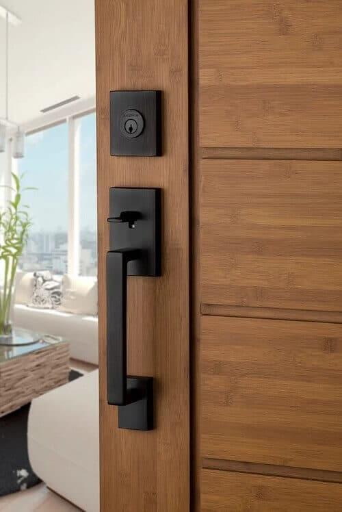 брава за интериорна врата
