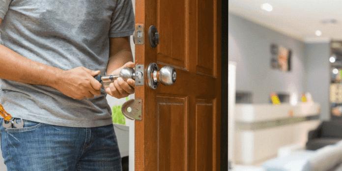 монтаж на брава на входна врата